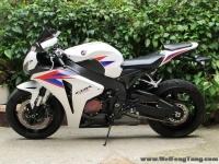 新到08款 本田CBR1000RR 改装全段天蝎排气 升高脚踏《自家的货 接受预定》六万多元