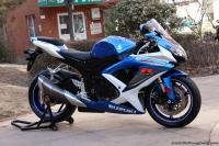 2008年铃木GSX-600R摩托车 蓝色