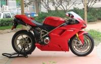 新到红色杜卡迪1198S,多处改装