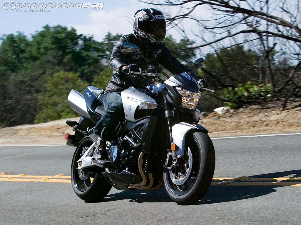 款铃木B-King摩托车图片3