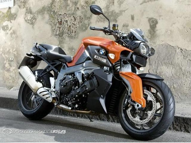 款宝马HP2 Megamoto摩托车图片3