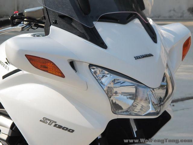 新到2005年本田ST1300运动旅行车,带三箱,白色 ST1300图片 1