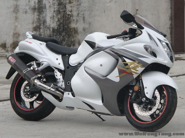 2008款铃木隼GSX1300R ,改装碳纤维吉村排气 白色喷漆 6000多公里 成色新 图片 1