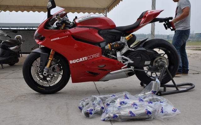 款杜卡迪1199摩托车图片2