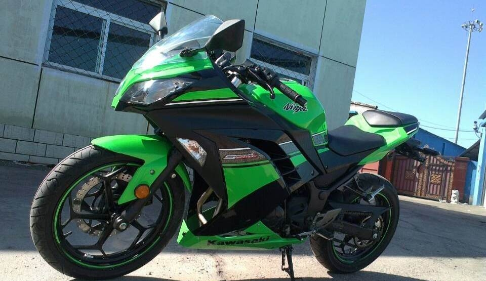 款川崎Ninja 250R摩托车图片4