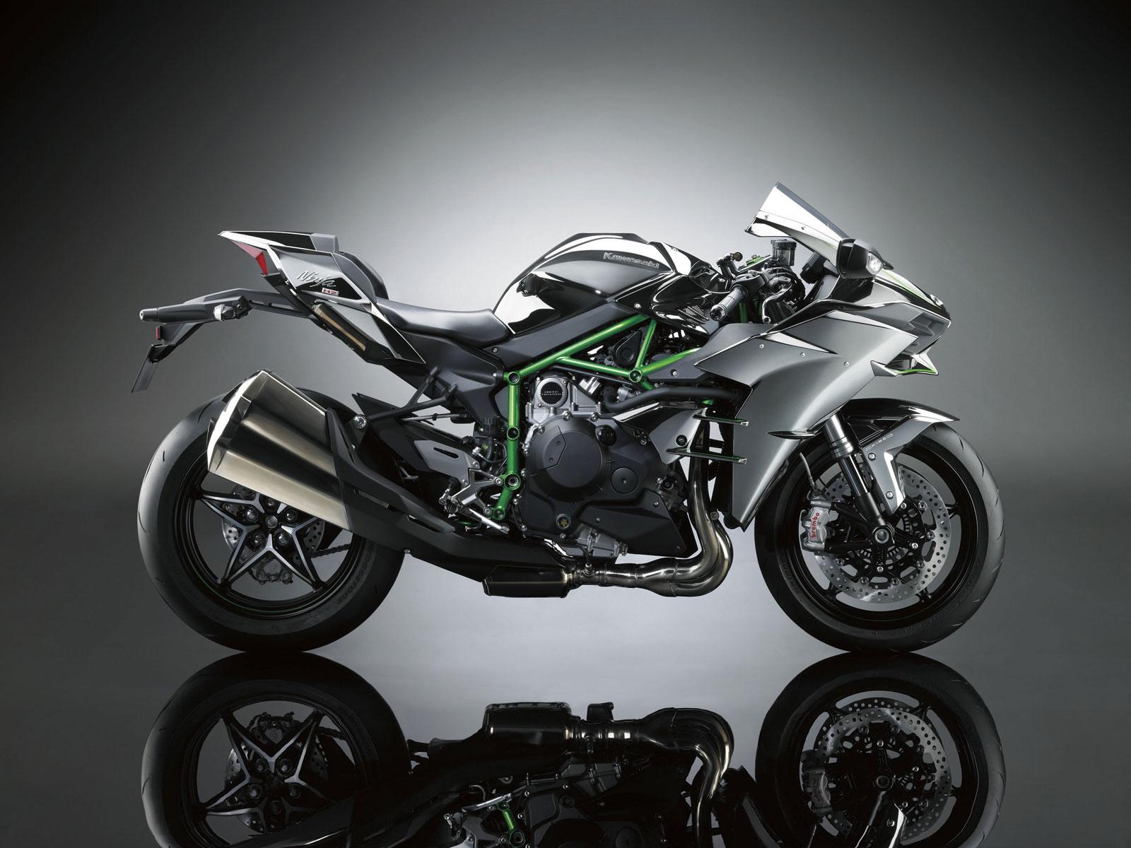 川崎Ninja H2摩托车