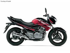 铃木GW250摩托车