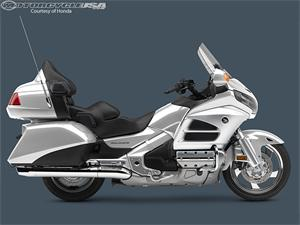2013款本田Gold Wing 1800摩托车图片