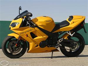 凯旋Daytona 650摩托车