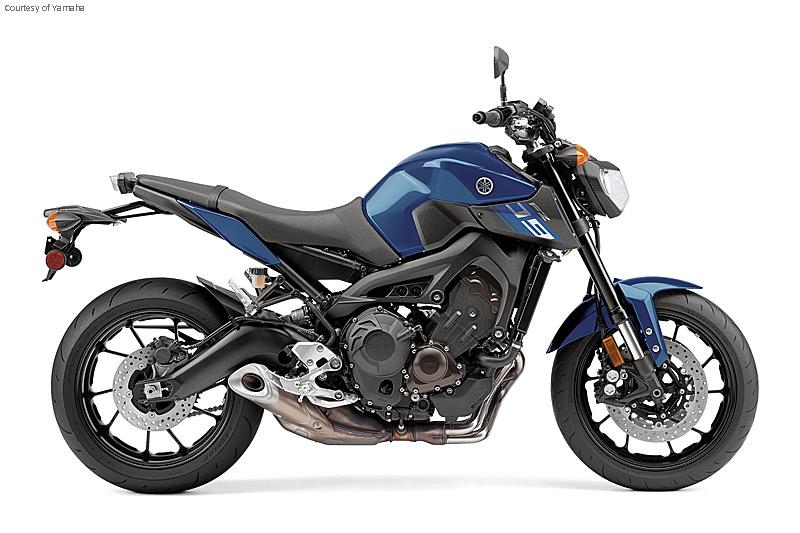 雅马哈FZ-09摩托车