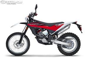 胡斯瓦纳TE449摩托车